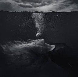 """""""UNDER WATER"""""""