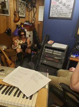 About the song To Sir With Love recorded by The ReWlettes